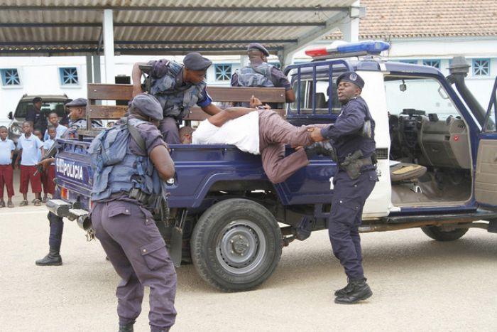 Tentativa de invasão de cadeia causa cinco mortos