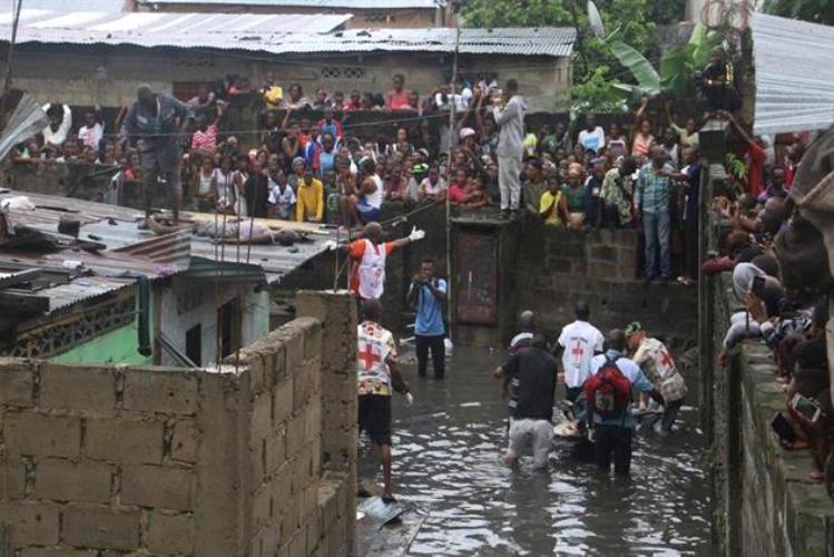 Situação complica com inundações, vírus e violência