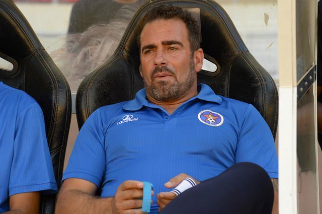 Interclube rescinde contrato com treinador