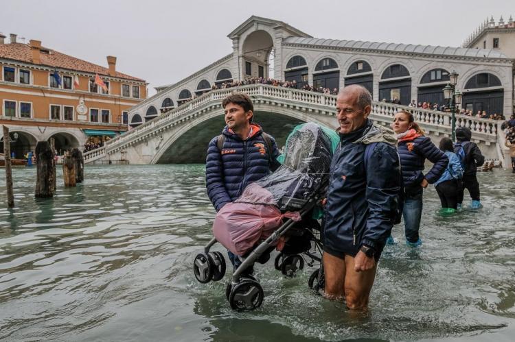 Inundações atingem nível mais alto desde 1966