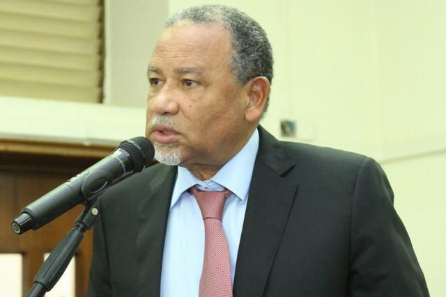 Ministro garante haver produtos suficientes para a quadra festiva