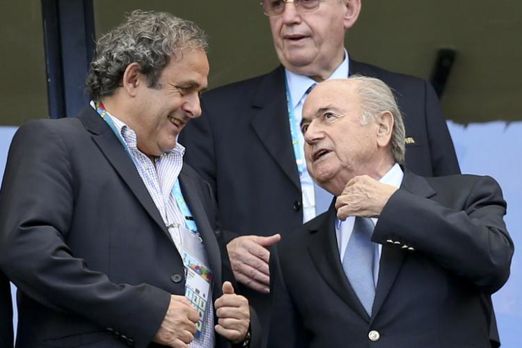 FIFA quer o reembolso de 1,8 milhões de euros pagos por Blatter a Platini
