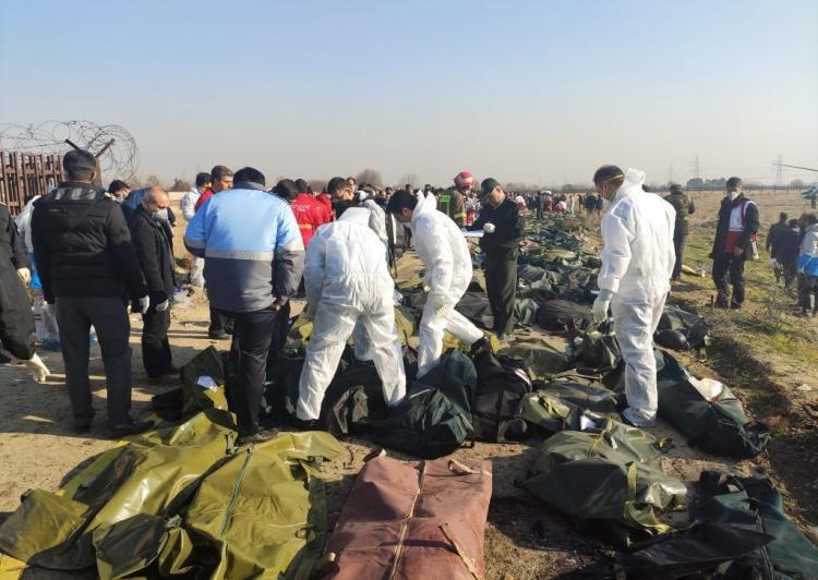 Queda de avião faz 170 mortos
