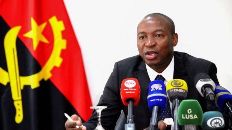 Angola assegura que nenhum bolseiro foi contaminado