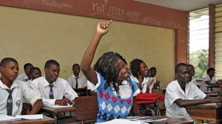 Governo vai distribuir gratuitamente mais de 18 milhões de livros nas escolas