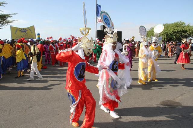 Falta de verba condiciona carnaval