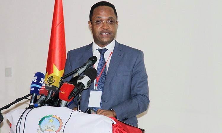 """Ministro exige """"cuidado e rigor"""" no tratamento da informação"""