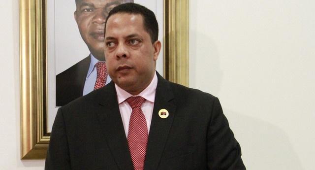 Parlamento empossa presidente da CNE