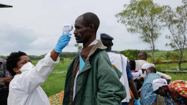 Número de mortos em África passa os três mil em mais de 99 mil casos