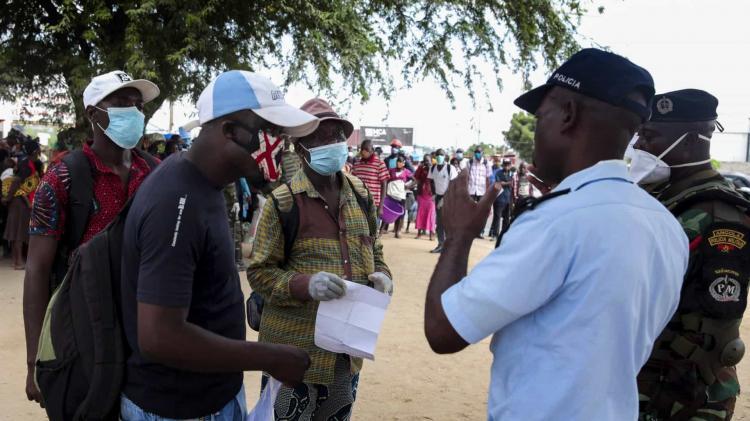 Angola conta com quatro novos casos e aumenta para 77 infectados