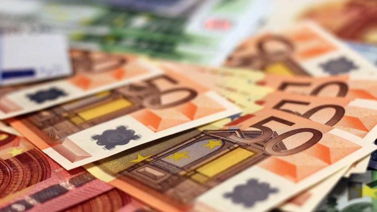 Comissão Europeia prevê angariar 7,5 mil milhões de euros