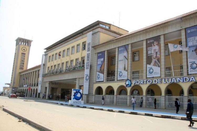 Governo volta a adiar prazo para concessão do Porto de Luanda