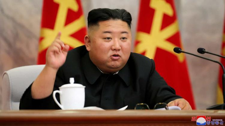 Kim Jong-un reaparece após três semanas 'desaparecido'