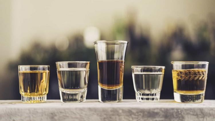 Mais de 130 mortos com álcool adulterado