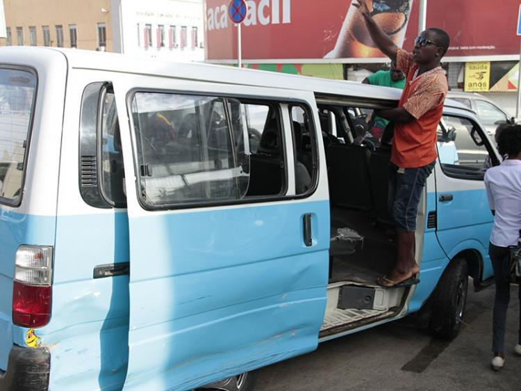 Taxistas encurtam rotas para contrariar queda na facturação