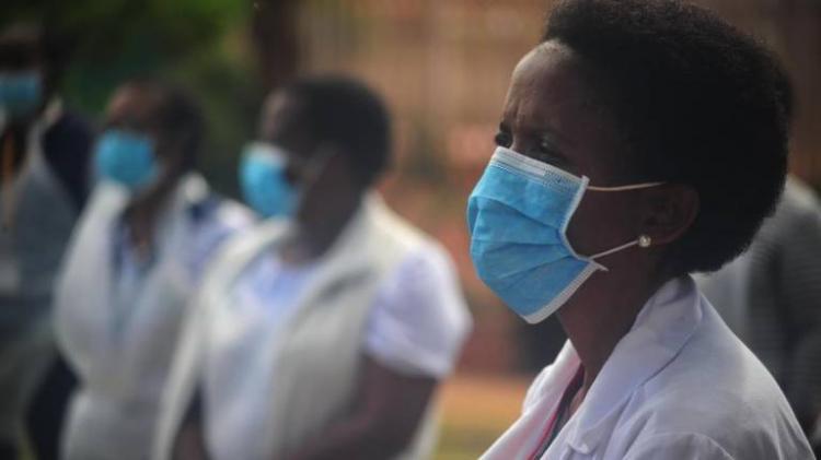 África ultrapassa as oito mil mortes e os 300 mil casos
