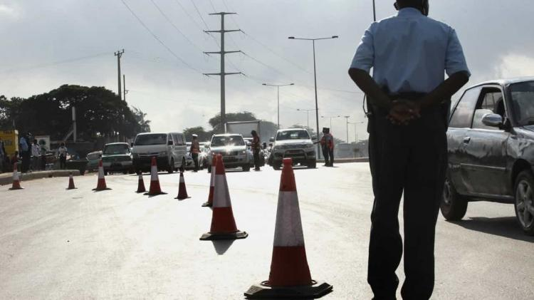 """Governo justifica cerca sanitária com """"situação preocupante"""""""