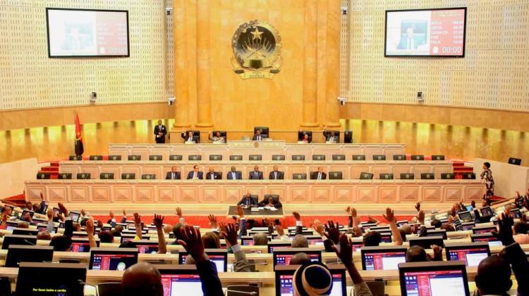 Parlamento cria lei de zonas francas