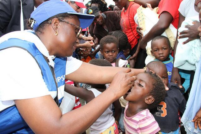 Angola imunizou 1,2 milhões de crianças contra a pólio
