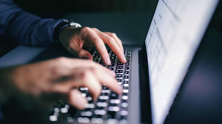Cabo Verde isenta de impostos importação de computadores