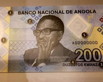 Nota de 200 kwanzas entra em circulação