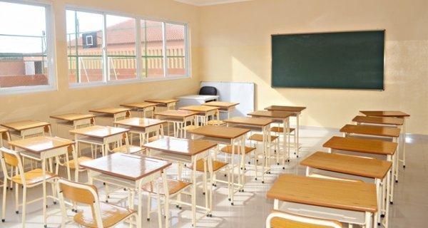 Propinas continuam a ser pagas até reinício das aulas