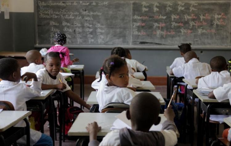 """Sinprof afirma que pandemia veio """"destapar debilidades"""" das escolas"""