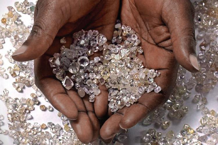 Apreendidas mais de 170 pedras de diamante
