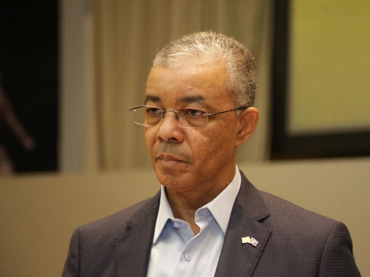 Documentos ligam Carlos Saturnino  a negócios com a Sonils