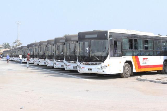 Luanda necessita de quatro mil autocarros