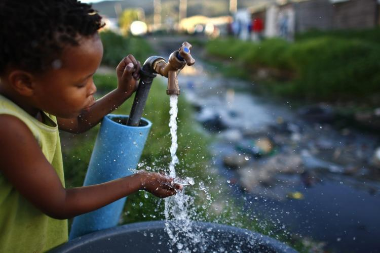 Unicef vai instalar pontos de água em mais de 1.500 escolas