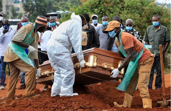 África com mais 254 mortes e mais de 11 mil casos