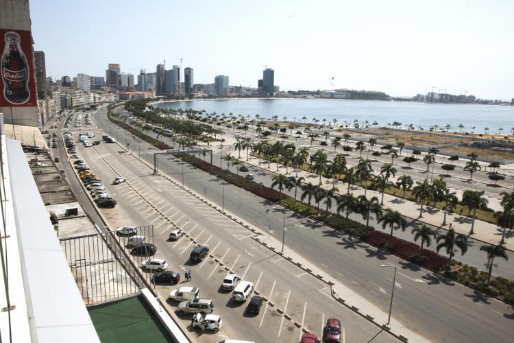 Entradas e saídas de Luanda exigem guia de trânsito