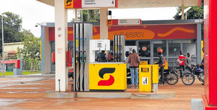 Escassez de combustível atribuída ao contrabando