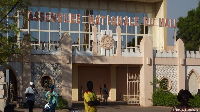 Formado novo governo de transição no Mali