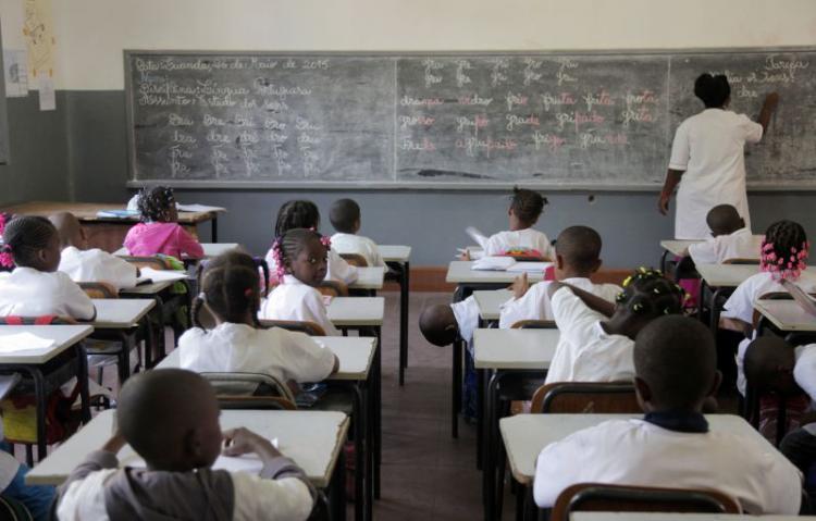 Governo avalia retoma de aulas