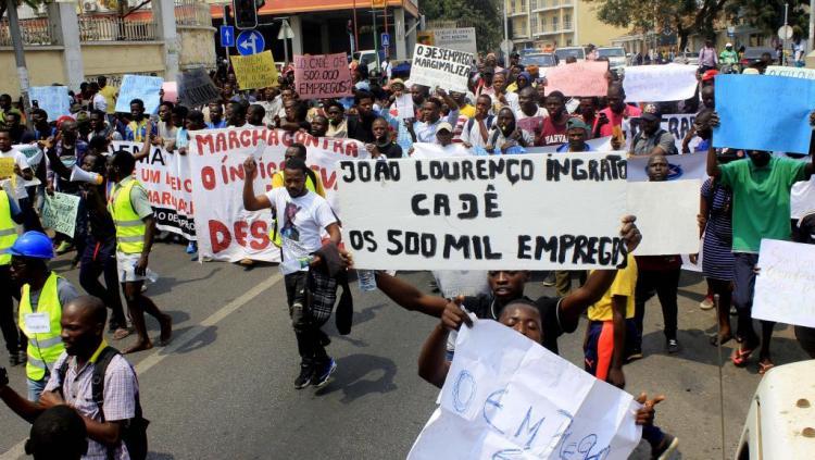 Jornalistas da Rádio Essencial ainda detidos
