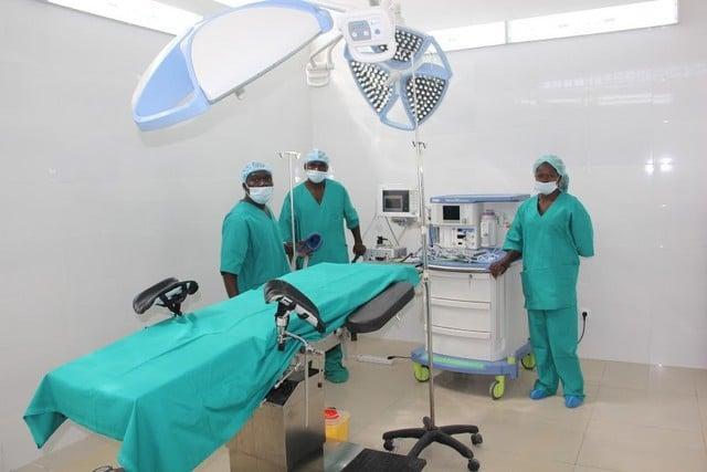Médicos preocupados com número de mortes e infectados entre a classe