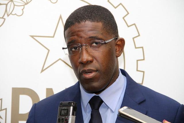 Ministro da Economia manda jovens ir para o campo