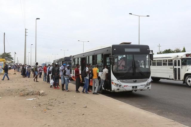 Transportes públicos mais cheios a partir de hoje