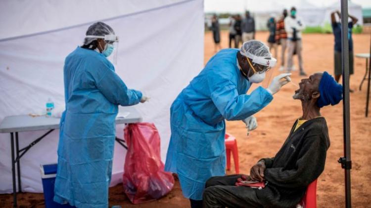 África ultrapassa barreira dos dois milhões de infectados