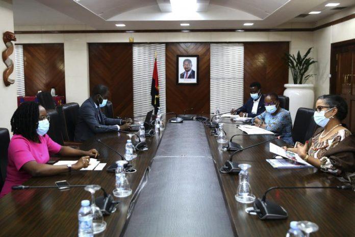 Angola prepara plano de vacinação com apoio da OMS