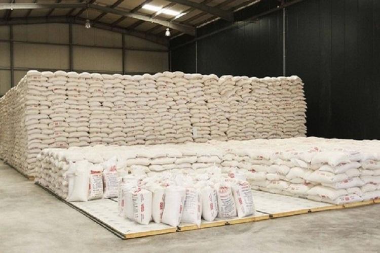 Apreendidos mais de dois mil sacos de farinha de trigo estragada