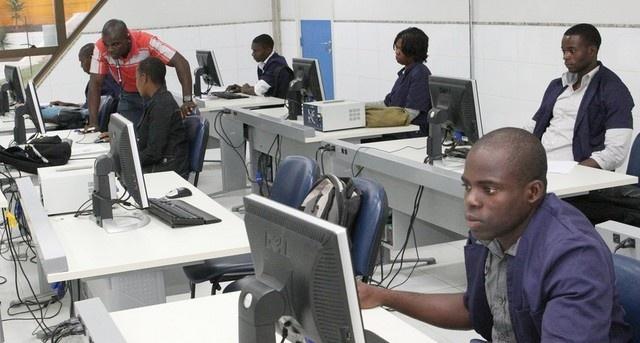 Governo vai financiar cinco mil estágios profissionais para jovens