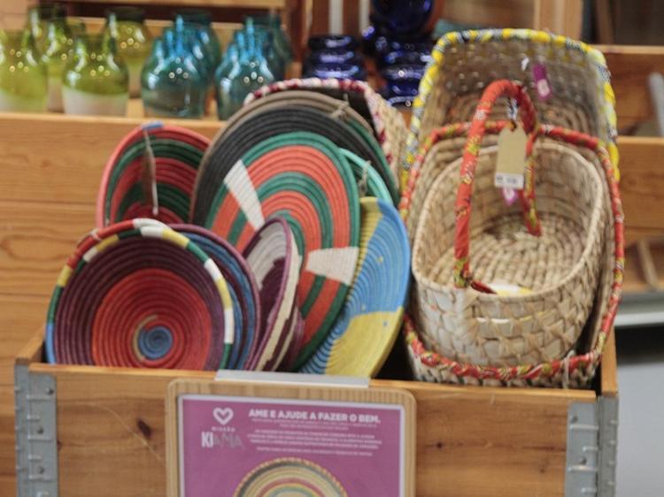 Móveis e decoração ajudam microempreendedoras