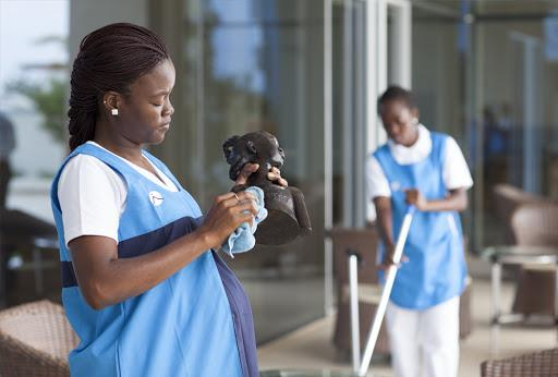 MED recruta auxiliares de limpeza