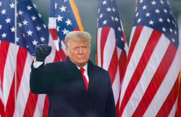 Twitter bloqueia conta de Trump e ameaça bani-lo para sempre