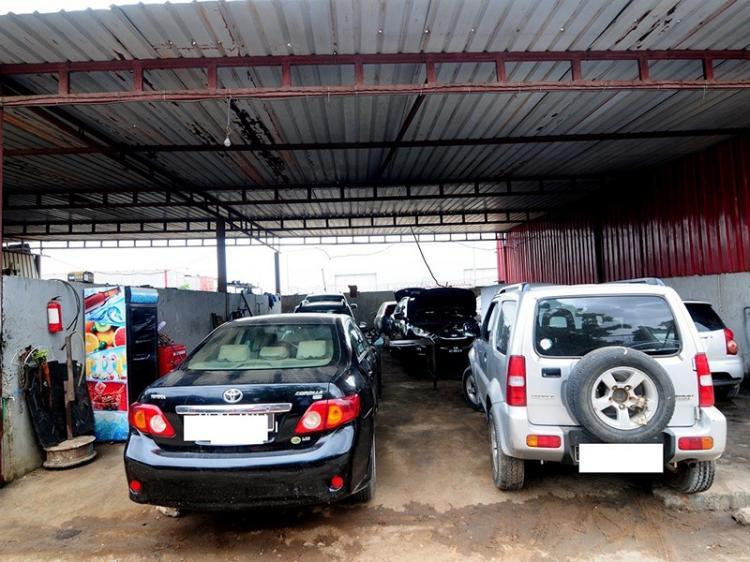 Angolanos  começam a controlar estações de serviço