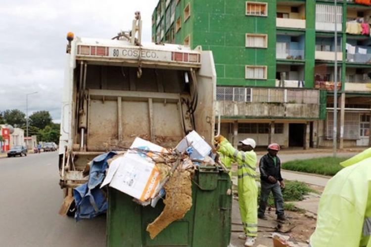 Dívida com empresas de lixo ascendiam a 246 mil milhões AKZ