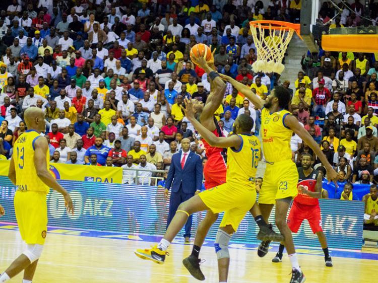Nacional de basquetebol adiado para 12 de Março